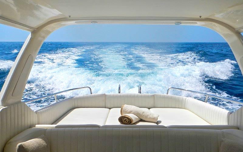 Quanto costa un giro in barca a capri for Quanto costa un giro in piscina per costruire